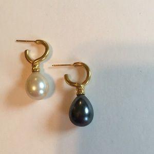 Metropolitan Museam of Art-Venus Pearl earrings